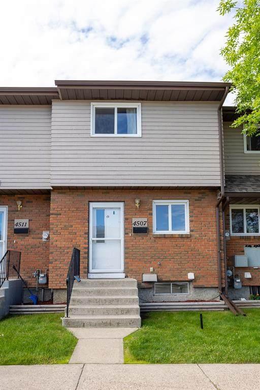 4507 47 Street, Innisfail, AB T4G 1P5 (#A1123713) :: Calgary Homefinders