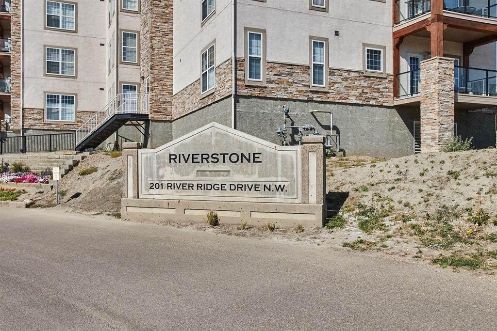 201 River Ridge Drive - Photo 1