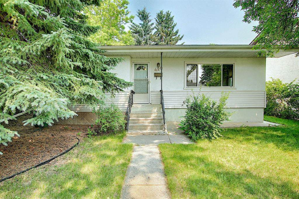 420 Thornhill Place - Photo 1