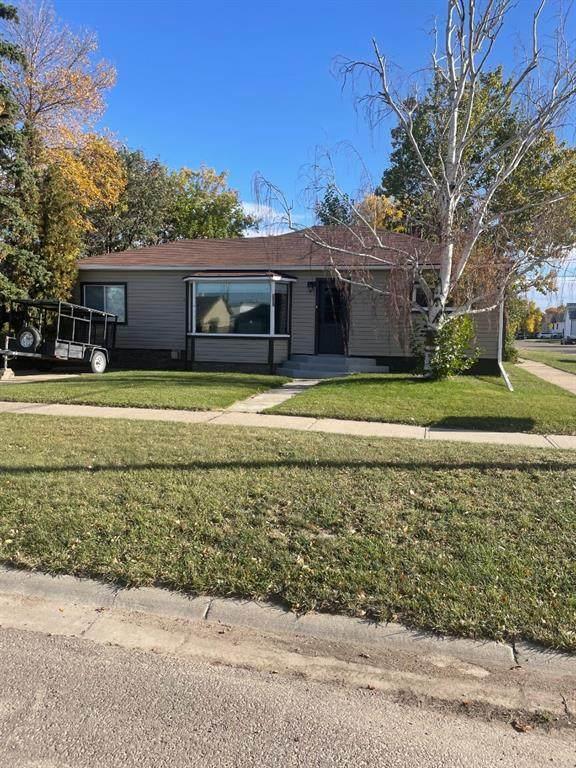 5202 45 Avenue, Taber, AB T1G 1B4 (#A1149435) :: Calgary Homefinders