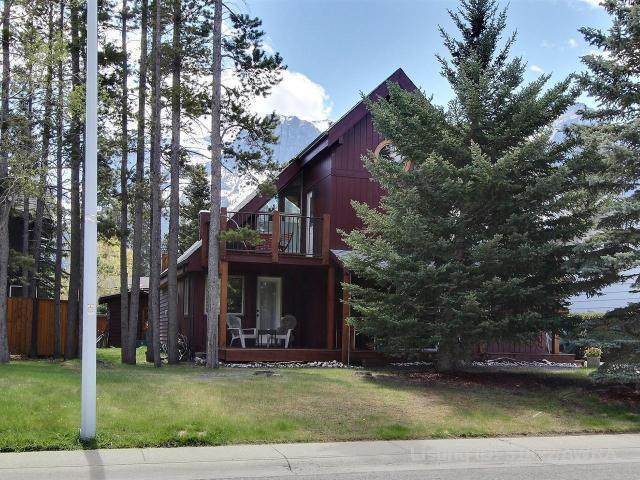 1025 15TH Street, Canmore, AB T1W 1V3 (#AW51822) :: Canmore & Banff
