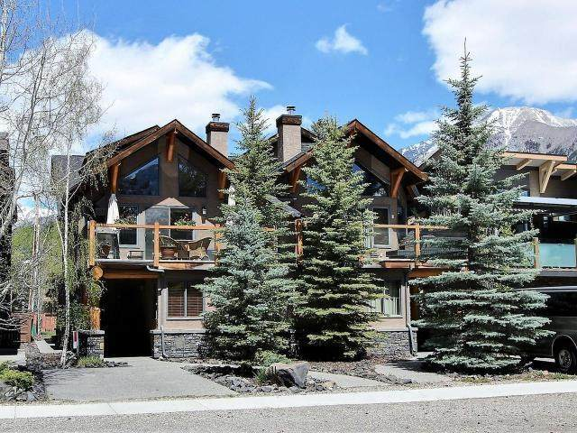 628 4TH Street, Canmore, AB T1W 2H3 (#AW51837) :: Canmore & Banff