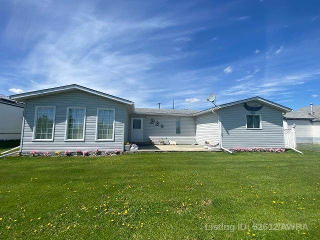 5220 52 STREET, Clyde, AB T0G 0P0 (#AW52612) :: Canmore & Banff