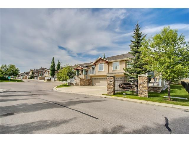 6 Discovery Woods Villa(S) SW, Calgary, AB T3H 5A6 (#C4121872) :: The Cliff Stevenson Group
