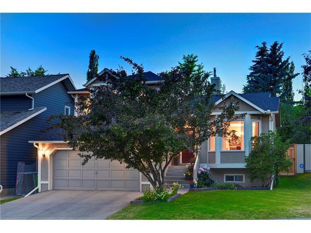 191 Strathaven Circle SW, Calgary, AB T3H 2G4 (#C4126096) :: Redline Real Estate Group Inc