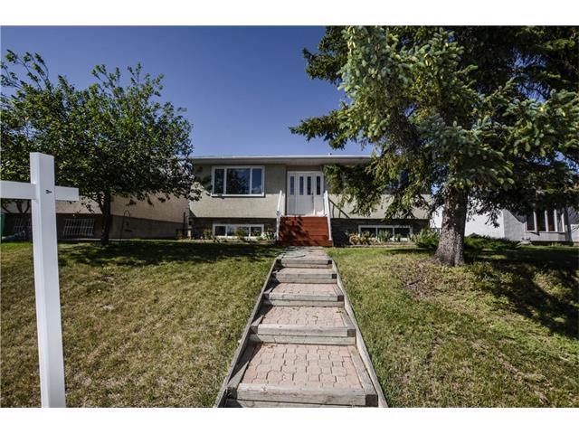 304 Huntridge Road NE, Calgary, AB T2K 4B6 (#C4130589) :: Canmore & Banff