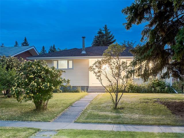 1451 Northmount Drive NW, Calgary, AB T2L 0G7 (#C4133437) :: Tonkinson Real Estate Team
