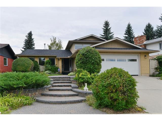 13140 Lake Arrow Road SE, Calgary, AB T2J 3H2 (#C4134119) :: Tonkinson Real Estate Team