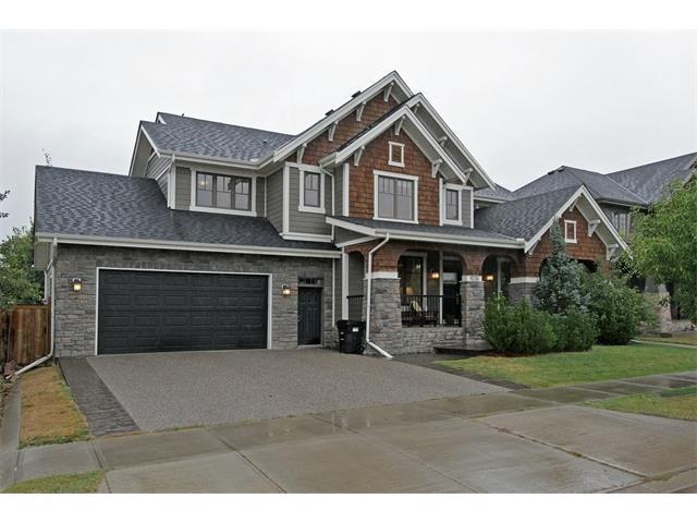 8236 9 Avenue SW, Calgary, AB T3H 0C2 (#C4137869) :: Redline Real Estate Group Inc