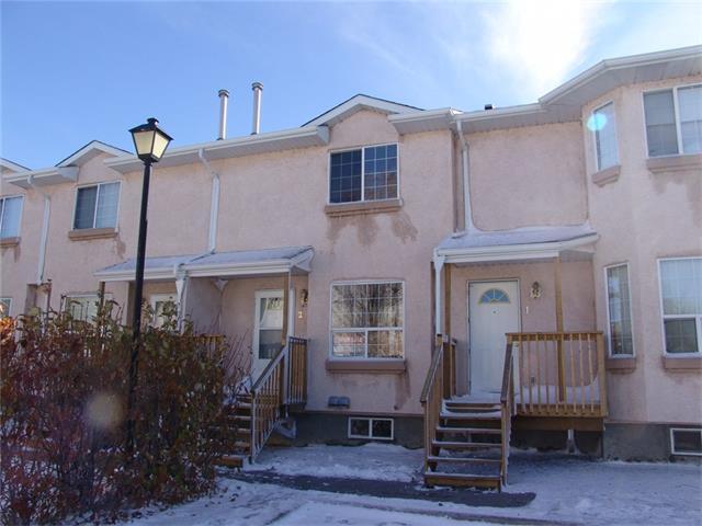 204 Strathaven Drive #2, Strathmore, AB T1P 1P6 (#C4140267) :: Redline Real Estate Group Inc