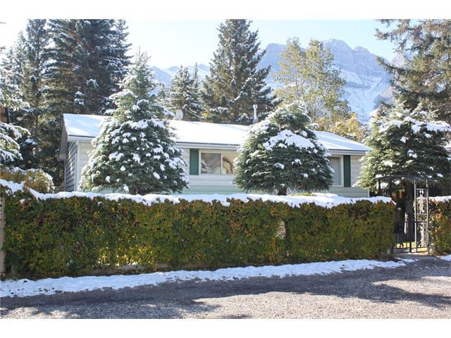 633 3 Street, Canmore, AB T1W 2H9 (#C4140723) :: Canmore & Banff