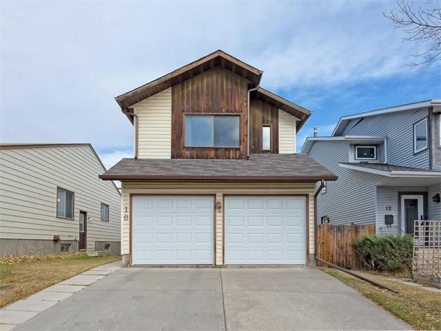 10 Strathcona Crescent SW, Calgary, AB T3H 1L1 (#C4143063) :: Redline Real Estate Group Inc