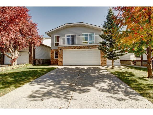 71 Strathclair Rise SW, Calgary, AB T3H 1G3 (#C4144929) :: Redline Real Estate Group Inc