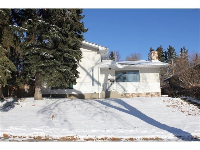 4420 Charleswood Drive NW, Calgary, AB T2L 2E4 (#C4144951) :: The Cliff Stevenson Group