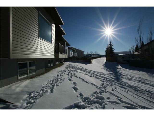 8 West Mcdonald Place, Cochrane, AB T4C 1L8 (#C4145127) :: Canmore & Banff