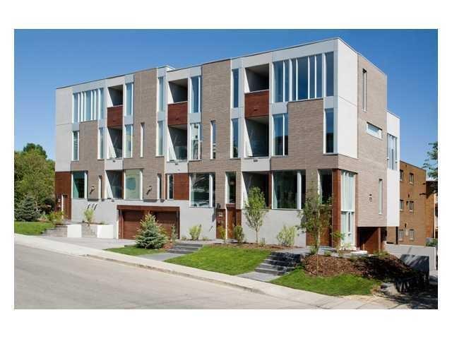 1712 19 Avenue SW, Calgary, AB T2T 4M2 (#C4145782) :: Redline Real Estate Group Inc