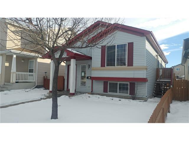 17 Martin Crossing Link NE, Calgary, AB T3J 3V2 (#C4146463) :: Redline Real Estate Group Inc
