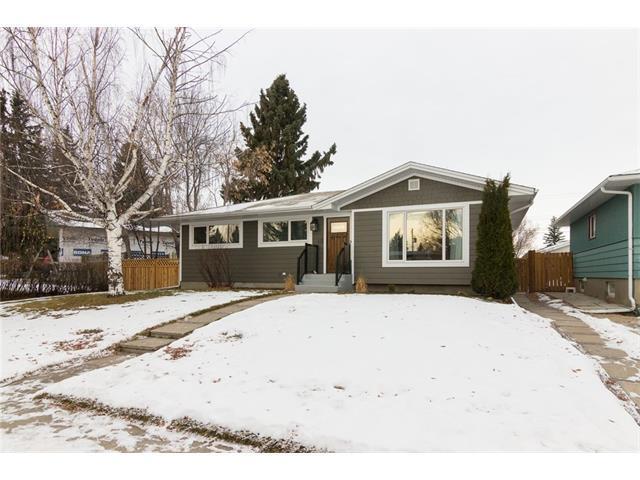 40 Hamlet Road SW, Calgary, AB T2V 3C8 (#C4146569) :: Redline Real Estate Group Inc