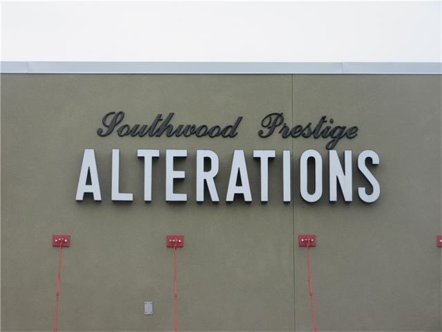 Calgary, AB 29926 :: Redline Real Estate Group Inc