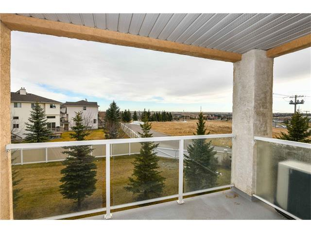 728 Country Hills Road NW #232, Calgary, AB T3K 5K8 (#C4147345) :: Redline Real Estate Group Inc