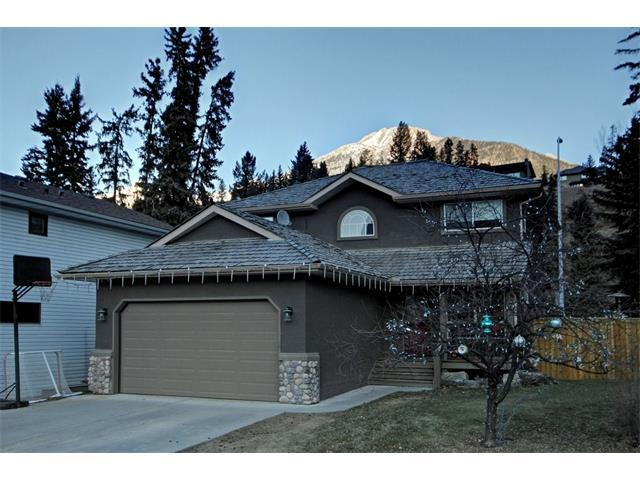 Cougar Point(E), Canmore, AB T1W 1A1 (#C4149533) :: Canmore & Banff