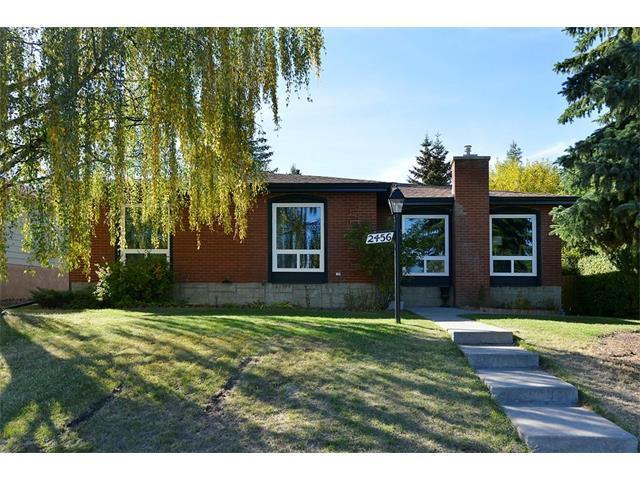 2456 Palisade Drive SW, Calgary, AB T2V 3V3 (#C4150199) :: Redline Real Estate Group Inc