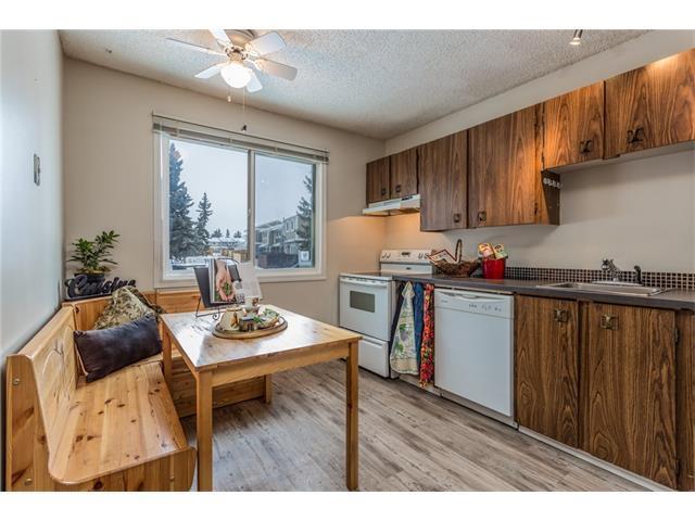 215 Georgian Villa(S) NE, Calgary, AB T2A 7C8 (#C4160754) :: The Cliff Stevenson Group
