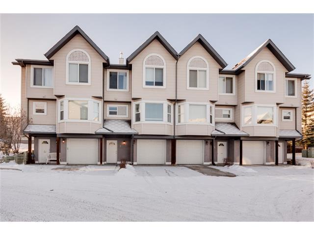 7 Sandarac Villa(S) NW, Calgary, AB T3K 5B4 (#C4161548) :: Canmore & Banff