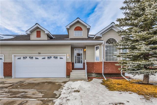 30 Scotia Landing NW, Calgary, AB T3L 2K2 (#C4161778) :: Redline Real Estate Group Inc