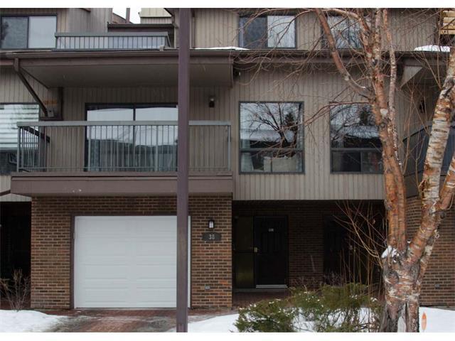 38 Point Mckay Crescent NW, Calgary, AB T3B 5B4 (#C4161931) :: The Cliff Stevenson Group