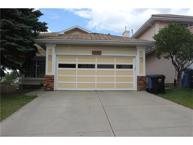155 Sandringham Road NW, Calgary, AB T3K 2Y5 (#C4161991) :: Redline Real Estate Group Inc