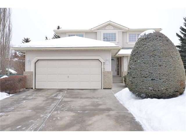 212 Woodpark Terrace SW, Calgary, AB T2W 6E7 (#C4162061) :: The Cliff Stevenson Group
