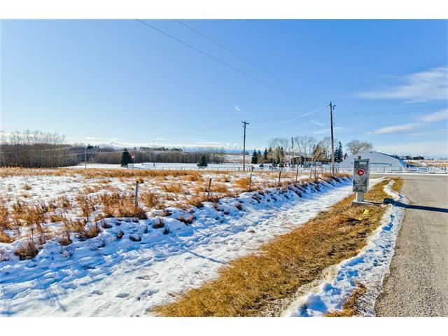5 Bearspaw Loop NW, Rural Rocky View County, AB T3R 1K2 (#C4162103) :: The Cliff Stevenson Group