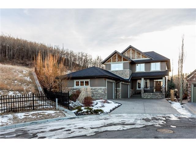 19 Crestridge Point(E) SW, Calgary, AB T3B 0L6 (#C4162368) :: Redline Real Estate Group Inc