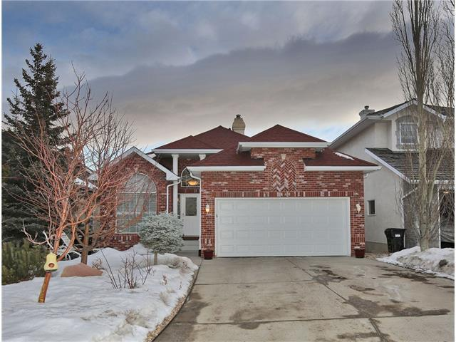 5648 Coach Hill Road SW, Calgary, AB T3H 3K4 (#C4162386) :: Your Calgary Real Estate