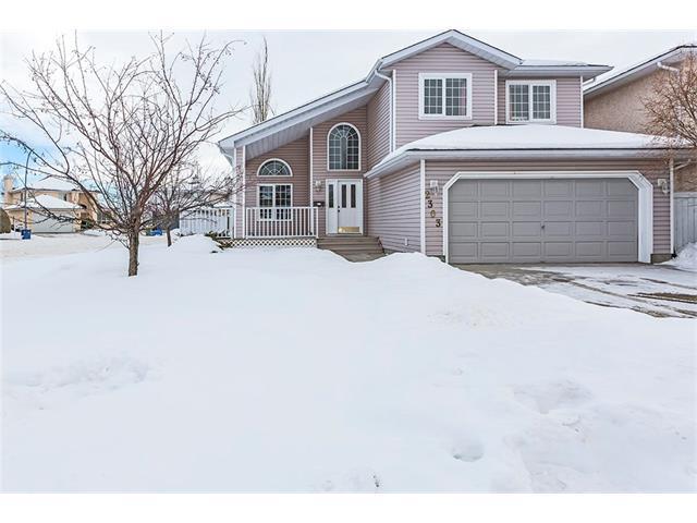 2303 Woodpark Avenue SW, Calgary, AB T2W 6E7 (#C4162749) :: The Cliff Stevenson Group