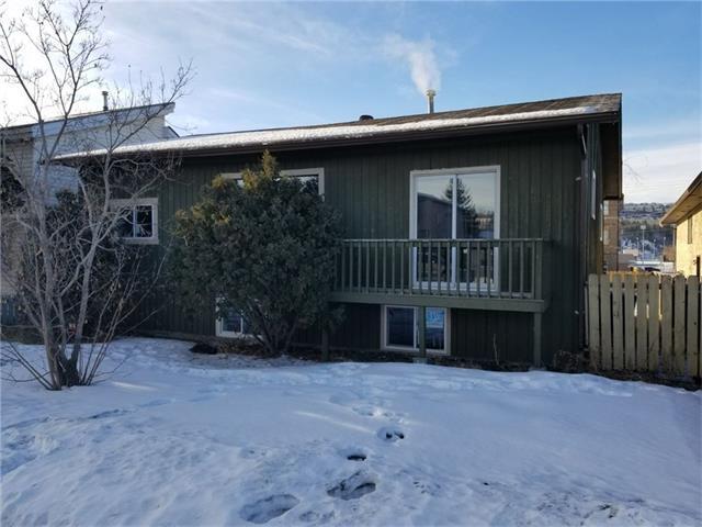 4823 Bowness Road NW, Calgary, AB T3B 0B6 (#C4162786) :: Redline Real Estate Group Inc