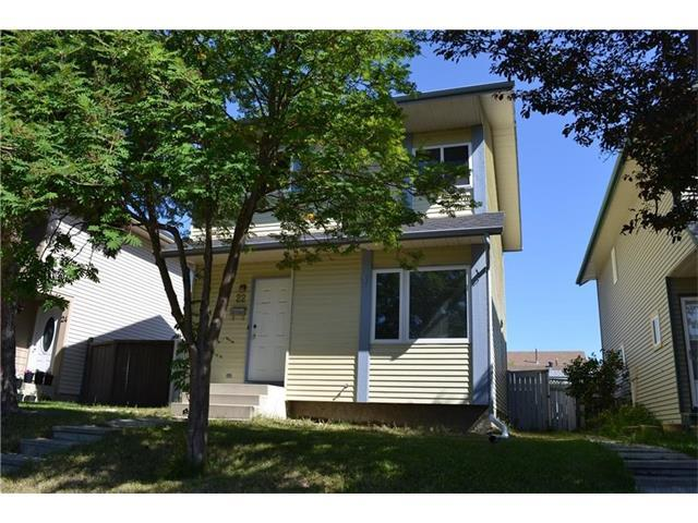 22 Edgeburn Crescent NW, Calgary, AB T3A 4H9 (#C4163011) :: Your Calgary Real Estate