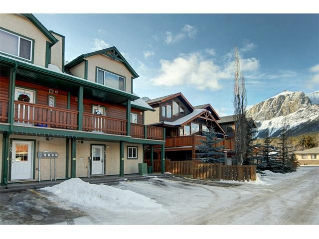 828 6th Street #200, Canmore, AB T1W 2E2 (#C4163368) :: Canmore & Banff