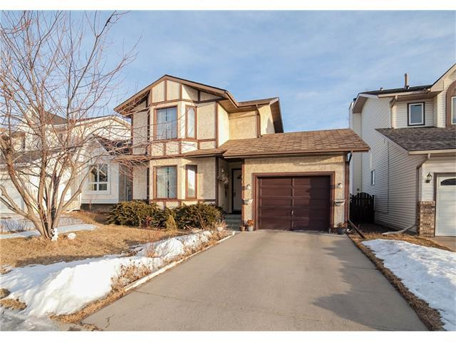 60 Sandpiper Way NW, Calgary, AB T3K 3P7 (#C4163393) :: The Cliff Stevenson Group