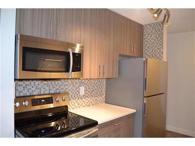 11620 Elbow Drive SW #202, Calgary, AB T2W 3L6 (#C4163477) :: Redline Real Estate Group Inc