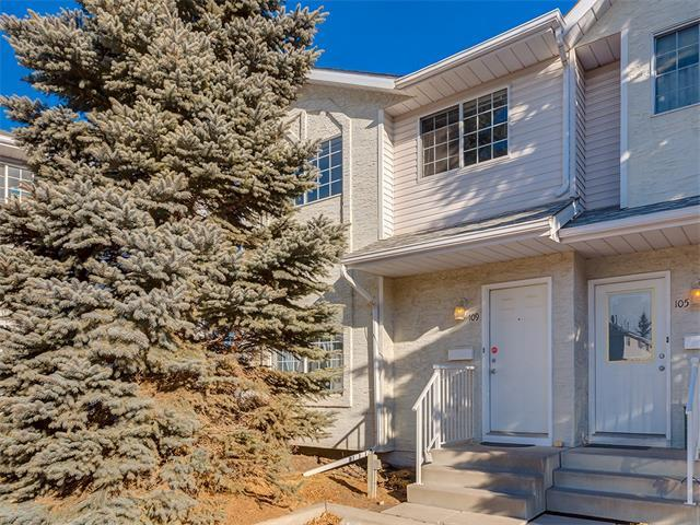 109 Bedford Manor NE, Calgary, AB T3K 4B8 (#C4163796) :: Redline Real Estate Group Inc