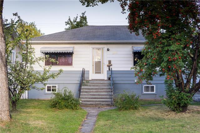 3520 Centre B Street NW, Calgary, AB T2K 0V8 (#C4163797) :: Redline Real Estate Group Inc