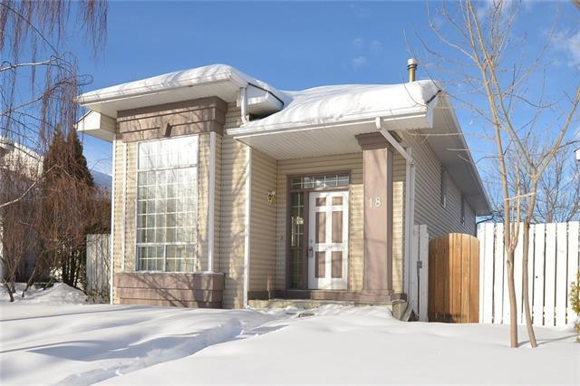 18 Martinridge Way NE, Calgary, AB T3J 3C8 (#C4163811) :: The Cliff Stevenson Group