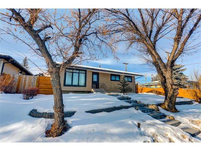 10811 Elbow Drive SW, Calgary, AB T2W 1G9 (#C4163829) :: Redline Real Estate Group Inc