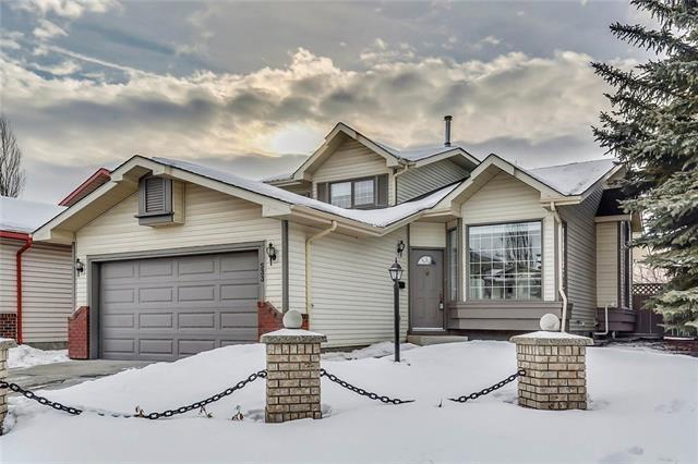533 Shawinigan Drive SW, Calgary, AB T2Y 2Z5 (#C4164547) :: The Cliff Stevenson Group
