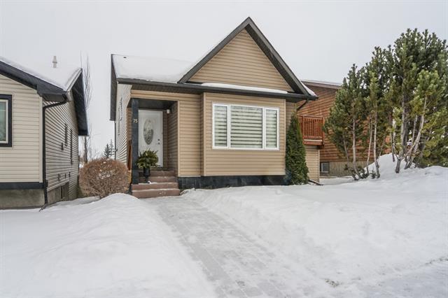 75 Shawglen Rise SW, Calgary, AB T2Y 1Z5 (#C4164783) :: The Cliff Stevenson Group