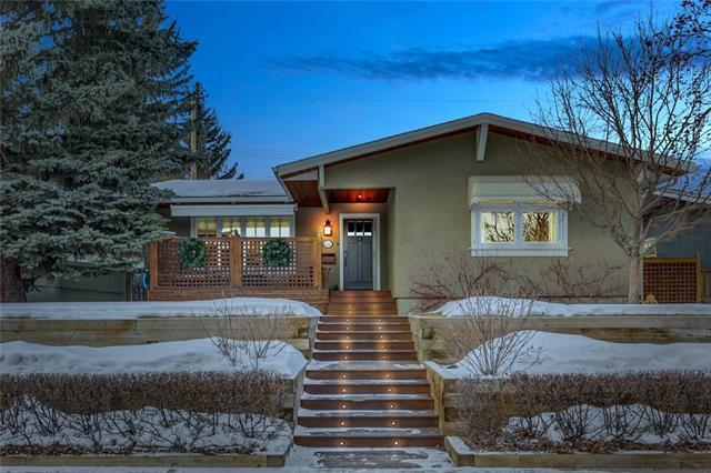 5727 Ladbrooke Drive SW, Calgary, AB T3E 5Y2 (#C4164938) :: The Cliff Stevenson Group