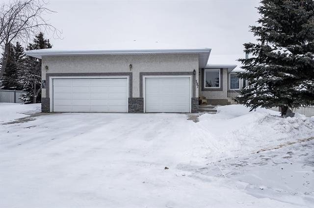 197 Arbour Cliff Close NW, Calgary, AB T3G 3W7 (#C4164962) :: The Cliff Stevenson Group