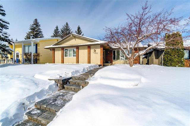 1267 Lake Sundance Crescent SE, Calgary, AB T2J 2S7 (#C4165046) :: The Cliff Stevenson Group